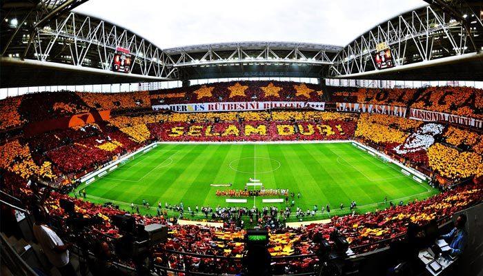 Galatasaray taraftarı kombinede rekor kırdı