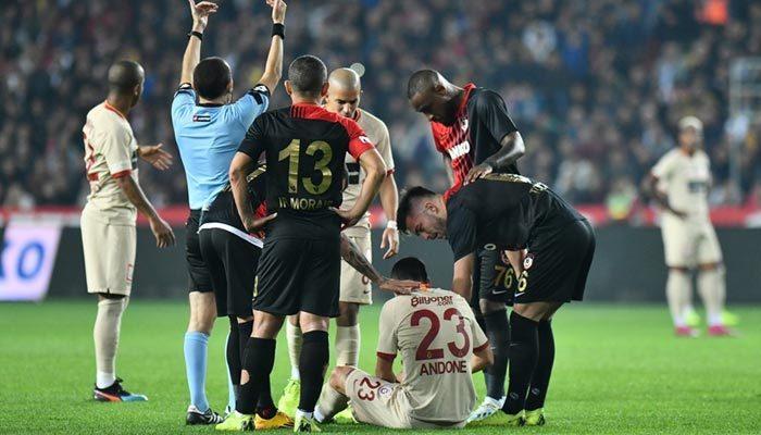 Galatasaray'da sakatlık şoku! İlk yarıyı kapattı