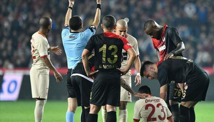 Galatasaray'da şok! Yıldız isim sakatlandı