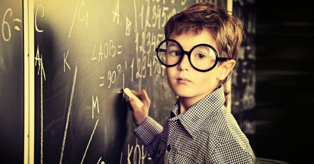 Göz rahatsızlığı olan çocuklar derste başarısız oluyor