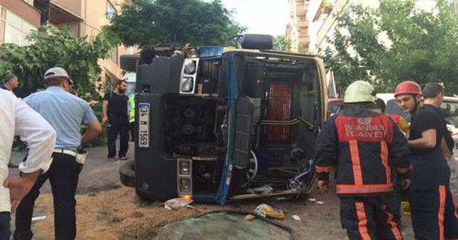 Gültepe'de minibüs dehşeti: 10 yaralı