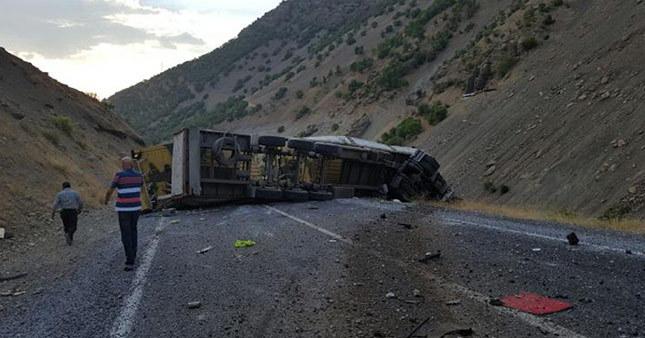 Hakkari'de askeri konvoya hain saldırı: 1 sivil şehit