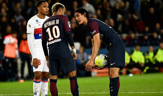 Hatasını anlayan Neymar, Cavani'den özür diledi