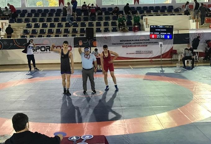 Hendek Gençlik Merkezi Spor Kulubü Güreş Takımı Türkiye Şampiyonu