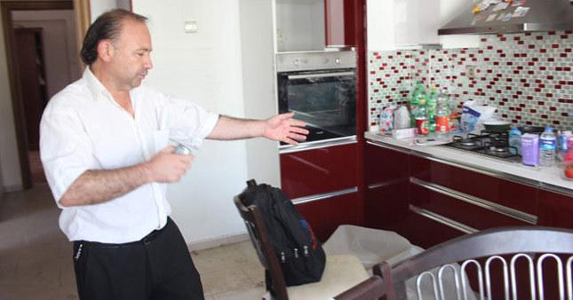 Hırsızlar evi soyup soğana çevirdi