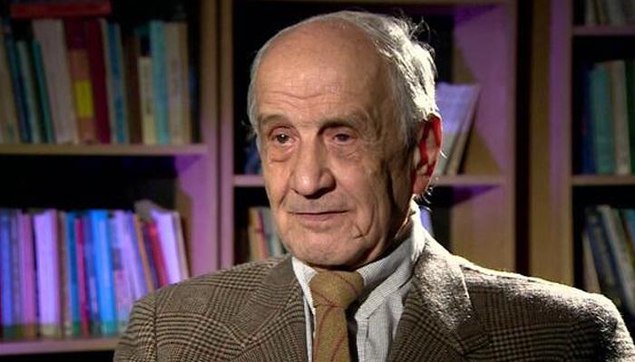 Hocaların hocası Mümtaz Soysal hayatını kaybetti