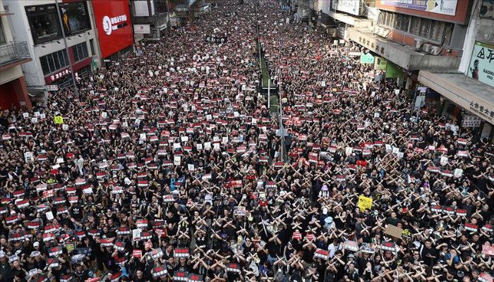 Hong Kong yönetiminden yasal düzenleme özrü geldi