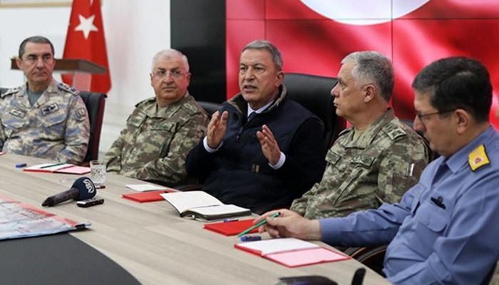 Hulusi Akar'dan askeri operasyon açıklaması