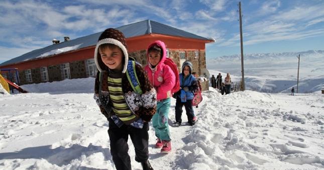 Isparta 12 Ocak çarşamba okullar tatil mi valik açıklaması