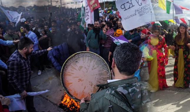 İstanbul'da Nevruz ateşi Bakırköy'de yandı