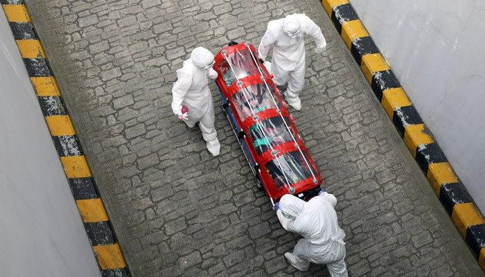 İtalya'da 24 saatte 70 kişi daha öldü