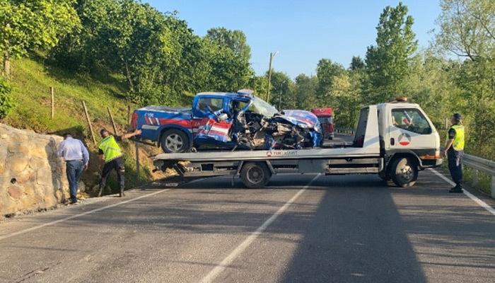 Jandarma aracı kaza yaptı, 2 askerimiz yaralı