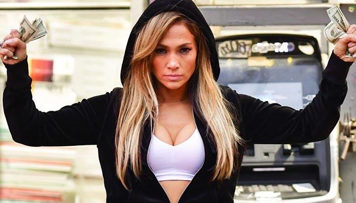 Jennifer Lopez'e şok! Filmi o ülkede yasaklandı