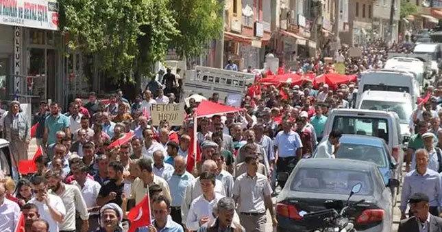 Jirkiler FETÖ'ye karşı yürüdü