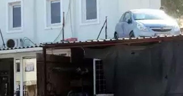 Kadın sürücü çatıya uçtu