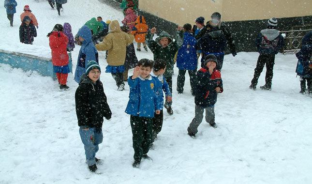 Kars'ta yarın okullar tatil mi? 7 Aralık Perşembe Kars Valiliğinden açıklama