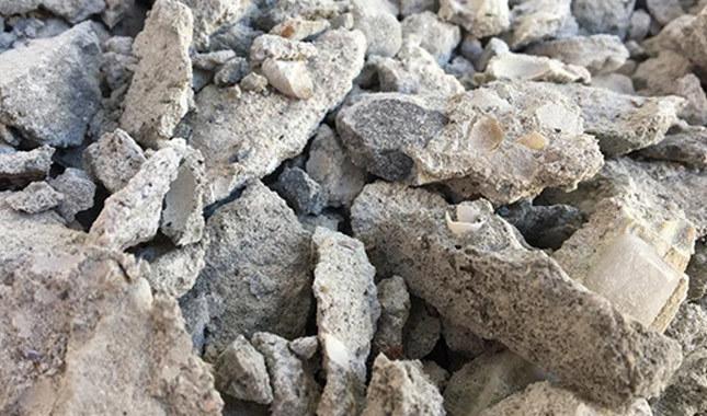 Kartal'da çöken binanın enkazındaki deniz kabukları görüntülendi
