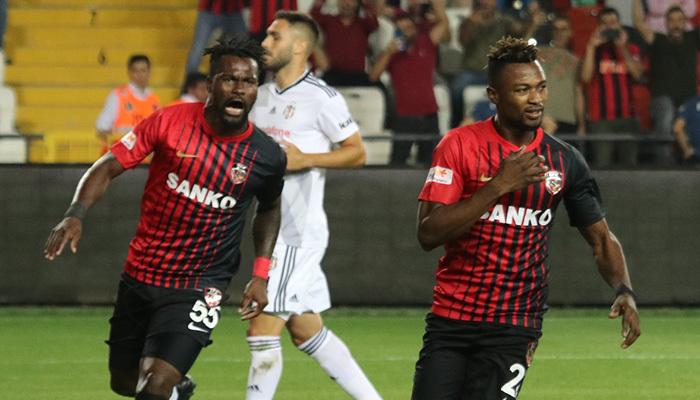 Kartlar havada uçuştu! Beşiktaş 3-2 kaybetti!