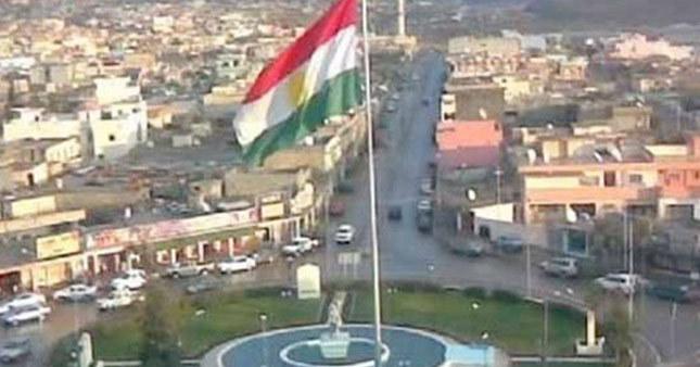 Kerkük'te Kürt bayrağı!