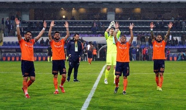 Lider Medipol Başakşehir rekor kırdı