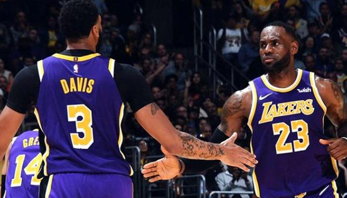 Los Angeles Lakers'ın bileği bükülmüyor