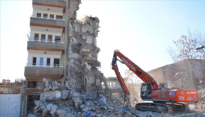 Malatya Valiliğinden hasarlı bina açıklaması
