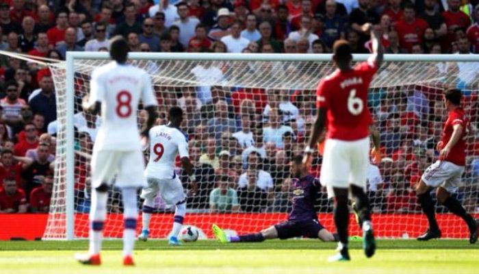 Manchester United evinde Crystal Palace'a mağlup oldu