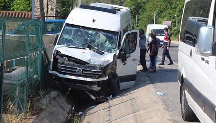 Marmaris'te yolcu minibüsü ile TIR çarpıştı: 18 yaralı