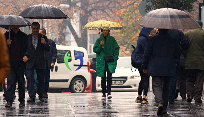 Meteoroloji'den kuvvetli sağanak yağmur uyarısı