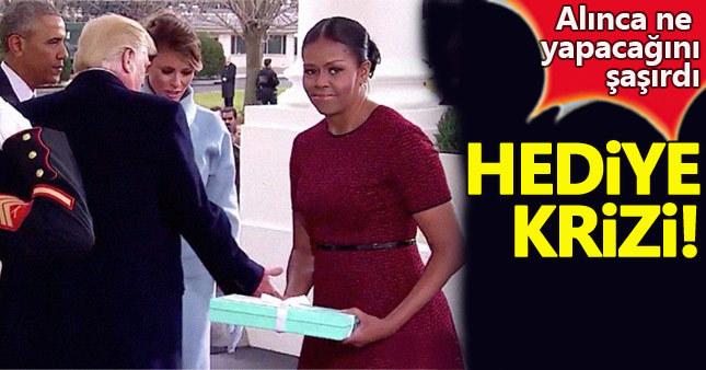 Michelle Obama, Melania'nın getirdiği hediyeyi alınca ne yapacağını şaşırdı