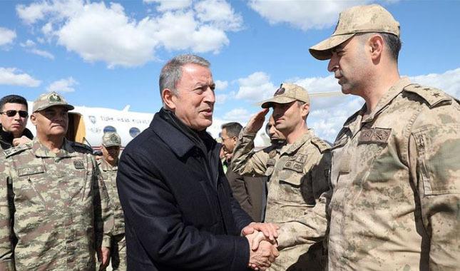 Milli Savunma Bakanı Akar, Şırnak'ta incelemelerde bulundu