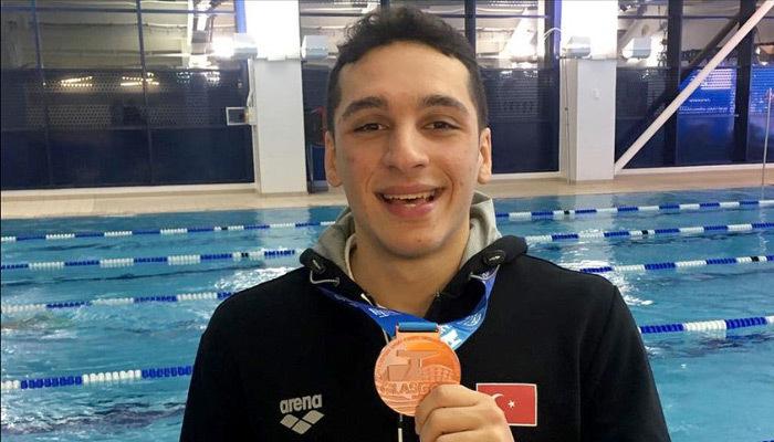 Milli yüzücü Ümitcan'dan Avrupa'da büyük gurur