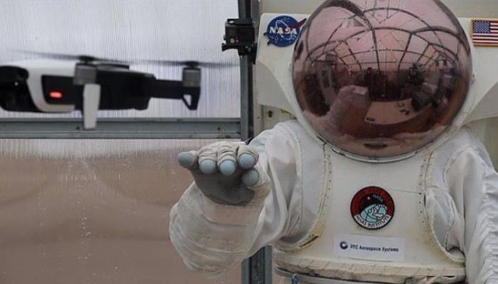 NASA'dan astronotlara akıllı eldiven