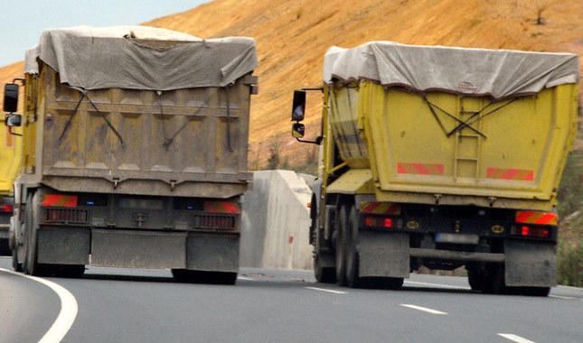 Ölüm taşıyan hafriyat kamyonlarına polis torpili