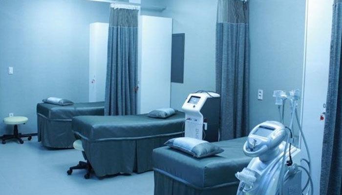 Özel ve vakıf hastaneleri salgın hastanesi oldu