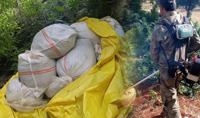 PKK'lıların yola tuzakladığı 100 kilogram patlayıcı ele geçirildi