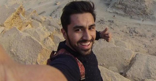 Piramitlere tırmanan Türk gözaltında
