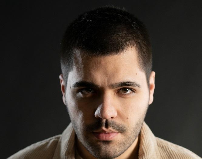 """Popüler müziğin sevilen ismi Emir Can İğrek'ten yeni single çalışması """"MEMUR"""""""