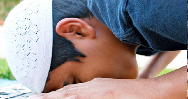 Regaip kandilinde nasıl ibadet edilir? Namazı var mı kaç rekat nasıl dua edilir