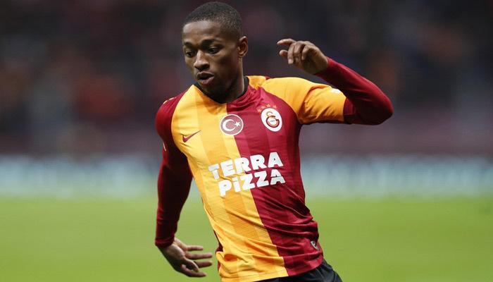 Devler peşindeydi! Sekidika Galatasaray'la zirveye çıktı