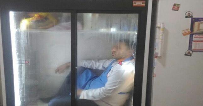 Serinlemek için buzdolabına girdi