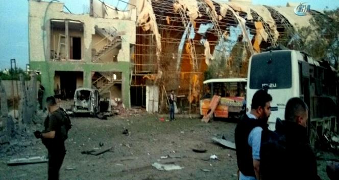 Silopi'de polis aracına saldırı: 4 sivil öldü 5'i polis 19 yaralı