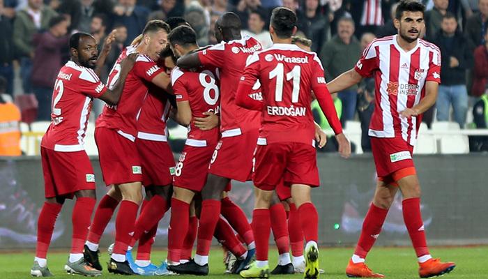 Yeniden 2009 ruhu mu? Sivasspor maç fazlasıyla lider
