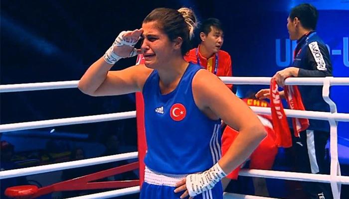 Sürmeneli boksta dünya şampiyonu