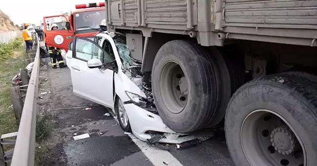 TEM otoyolunda feci kaza: 1 ölü, 5 yaralı