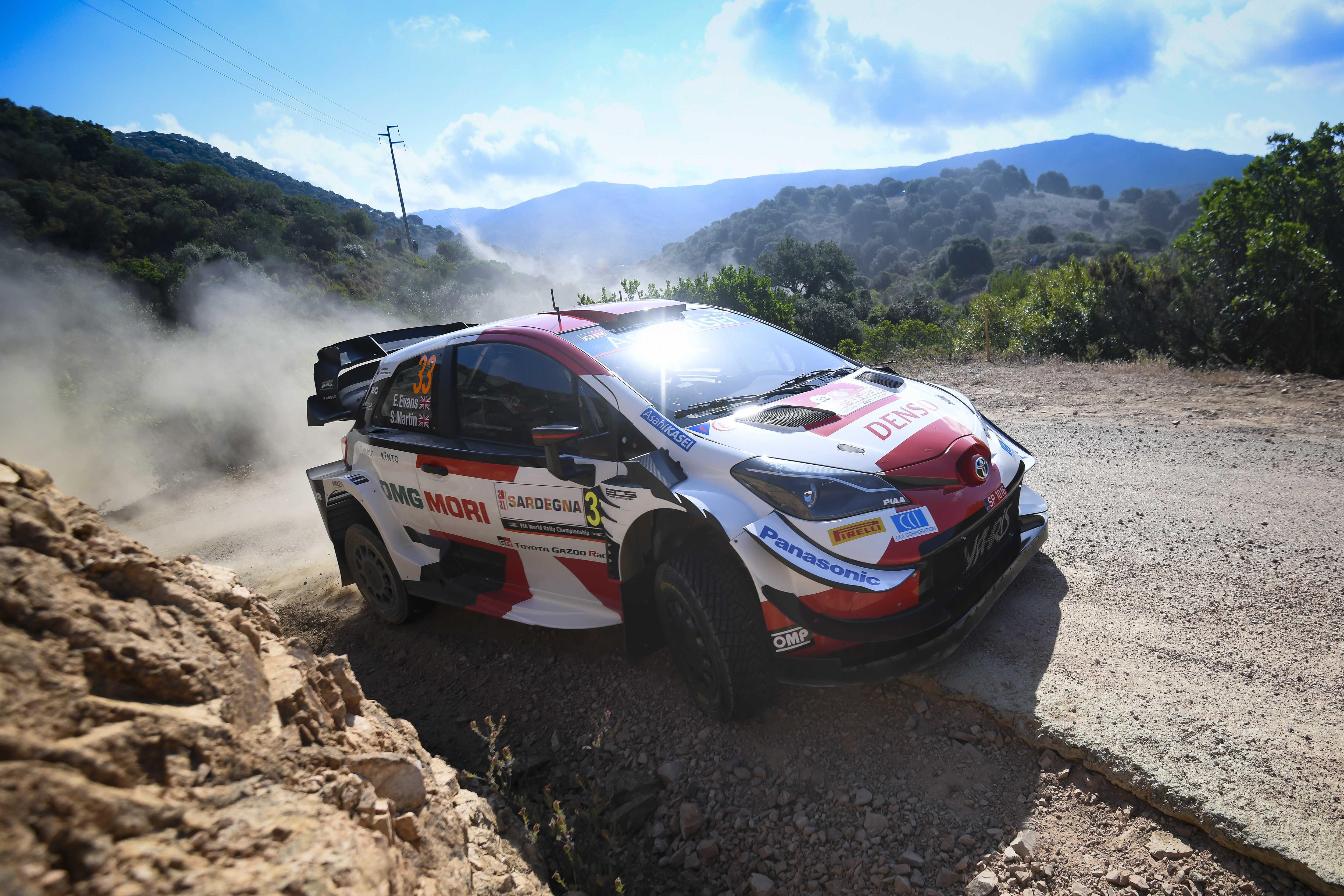 Toyota İtalya Sardunya Rallisi'nde İlk İki Sırayı Aldı