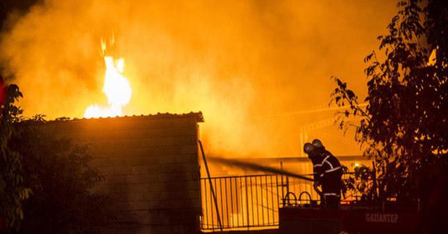Tutkal fabrikasında yangın