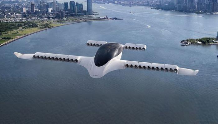 Uçan taksi saatte 100 km hızı aşıyor