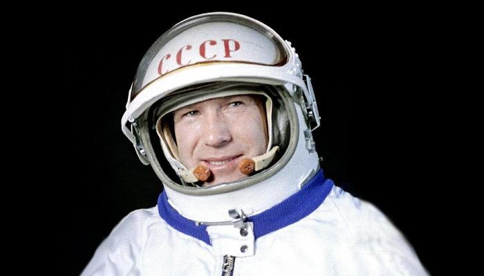 Uzayda yürüyen ilk insan öldü