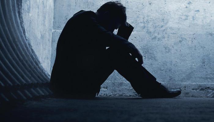 Uzmanlar uyardı! Depresyon Alzheimer'ı tetikliyor